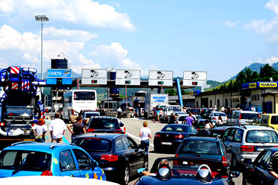 Long queues and sweltering driving conditions are a common problem on Italy's autostrade in August.