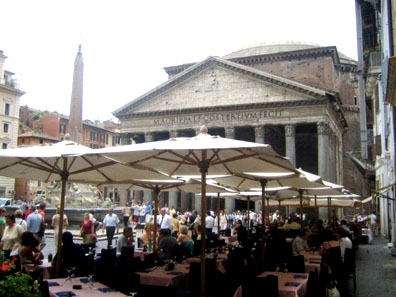 Restaurants in Piazza della Rotonda can be touristy and over-priced, but the looming Pantheon makes for a dramatic lunchtime backdrop.