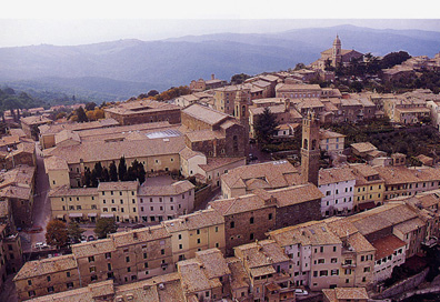 The Tuscan town of Momnta