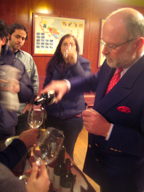 Count Georg Kuenburg pours his wines for an eager crowd, and was also happy to point out Trentino-Alto Adige on the map.