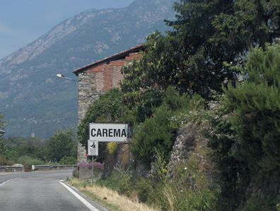 Now entering... Carema. This tiny town is located about 60 kilometers north of Turin. At the last count its population numbered 754.