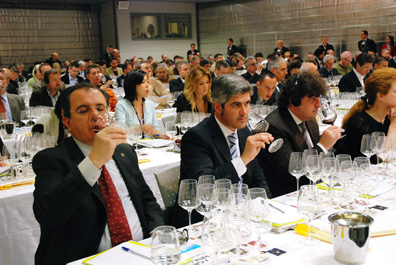 Just one of the countless tasting events which took place at Vinitaly in 2008.